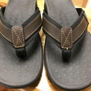 dfe89907d322 Vionic Shoes - MENS VIONIC SLIPPERS